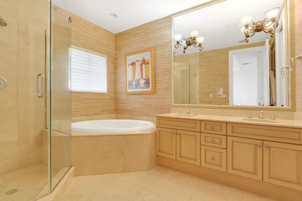 Additional photo for property listing at 34 Marina Gardens Drive 34 Marina Gardens Drive 棕榈滩花园, 佛罗里达州 33410 美国