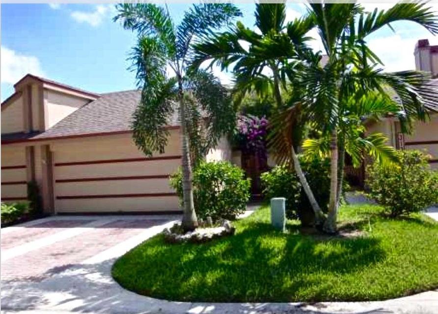 Casa unifamiliar adosada (Townhouse) por un Venta en 311 Landings Boulevard 311 Landings Boulevard Greenacres, Florida 33413 Estados Unidos