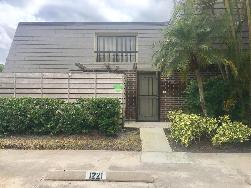 1221 12th Terrace , Palm Beach Gardens FL 33418 is listed for sale as MLS Listing RX-10376885 11 photos
