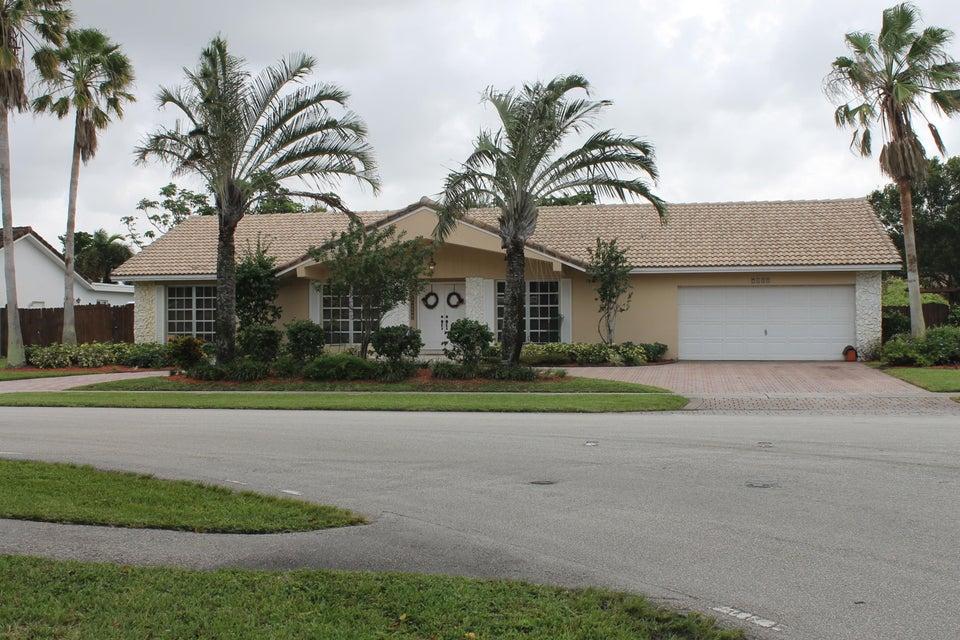 Casa Unifamiliar por un Venta en 7480 SW 14th Street 7480 SW 14th Street Plantation, Florida 33317 Estados Unidos
