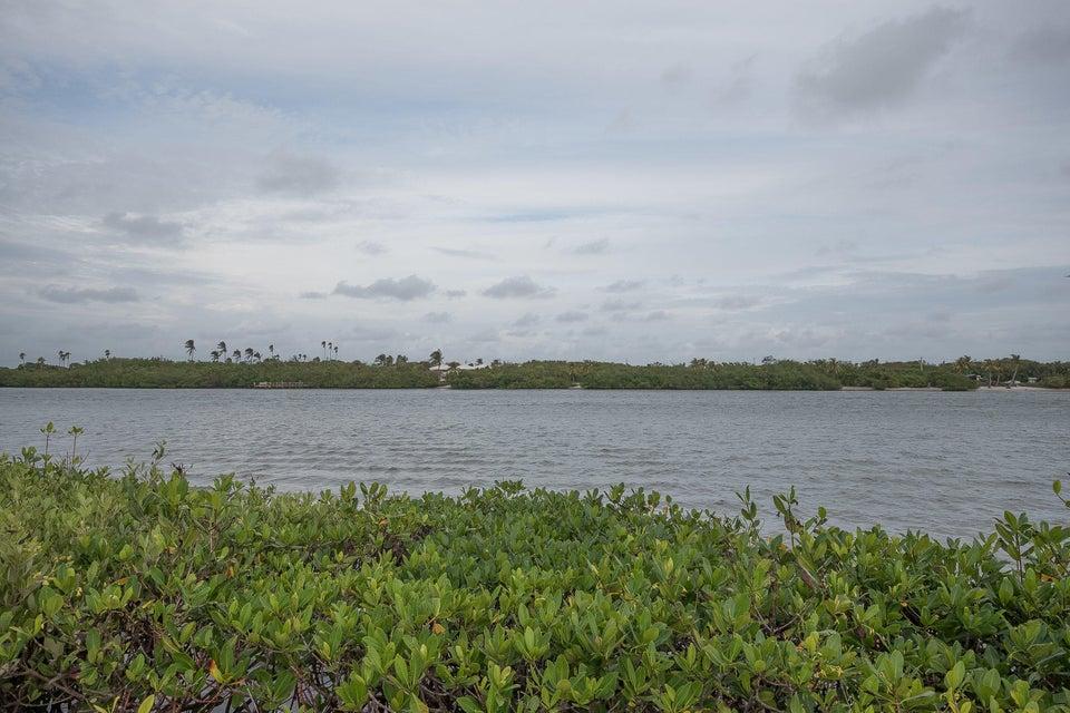 Konsum / Eigentumswohnung für Verkauf beim 100 Waterway Road 100 Waterway Road Tequesta, Florida 33469 Vereinigte Staaten