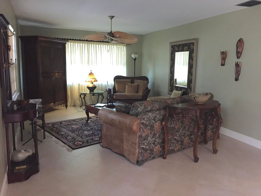 Additional photo for property listing at 10141 S 43rd Drive S 10141 S 43rd Drive S Boynton Beach, Florida 33436 United States