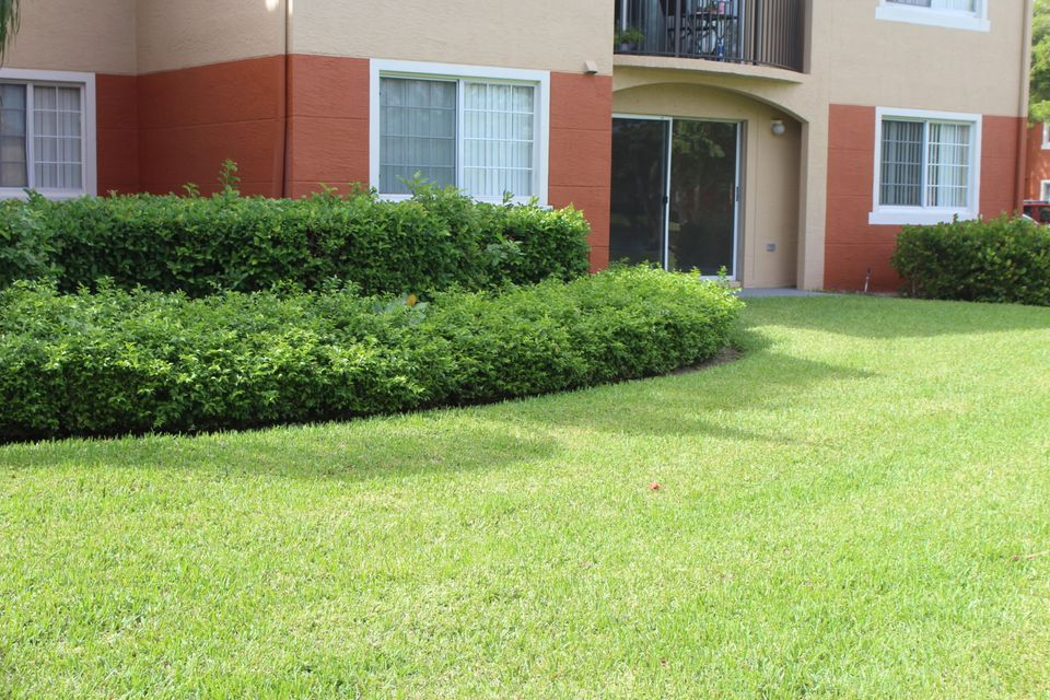 Additional photo for property listing at 4167 N Haverhill Road 4167 N Haverhill Road West Palm Beach, Florida 33417 Vereinigte Staaten