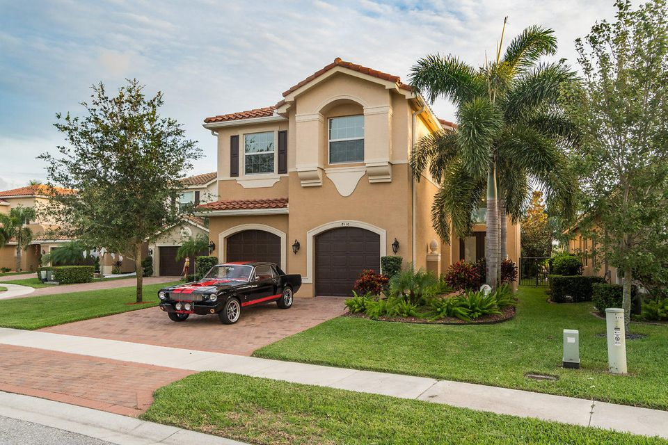 CANYON TRAILS home on 8110  Brigamar Isles Avenue