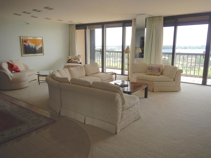 Additional photo for property listing at 2450 Presidential Way 2450 Presidential Way West Palm Beach, Florida 33401 Vereinigte Staaten