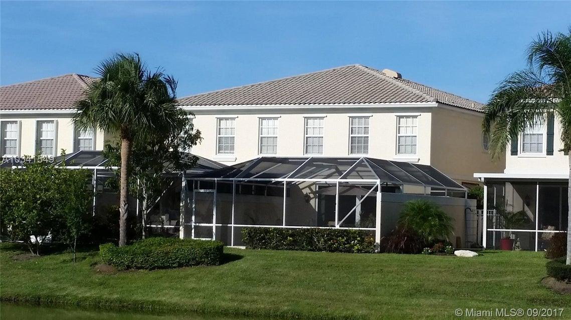 联栋屋 为 出租 在 241 Fortuna Drive 241 Fortuna Drive 棕榈滩花园, 佛罗里达州 33410 美国