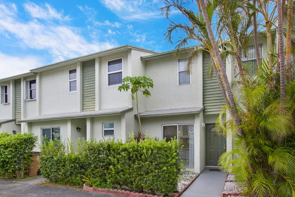 Home for sale in CRYSTAL VIEW TOWNHOMES 11 Deerfield Beach Florida