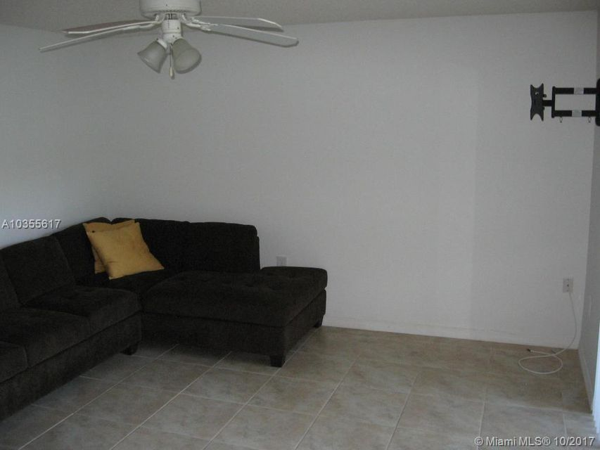 Additional photo for property listing at 16105 Glenmoor Drive 16105 Glenmoor Drive West Palm Beach, Florida 33409 Estados Unidos