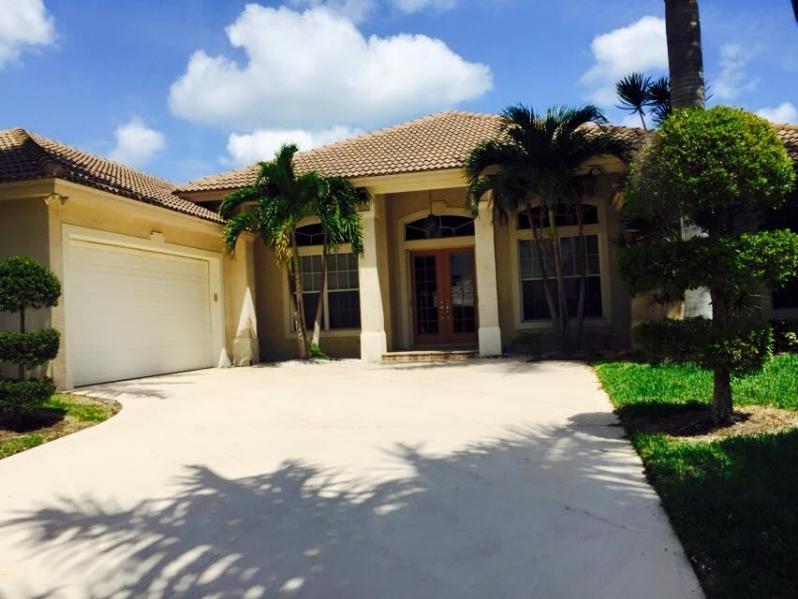 Rentals for Sale at 8519 SE Sabal Street 8519 SE Sabal Street Hobe Sound, Florida 33455 United States