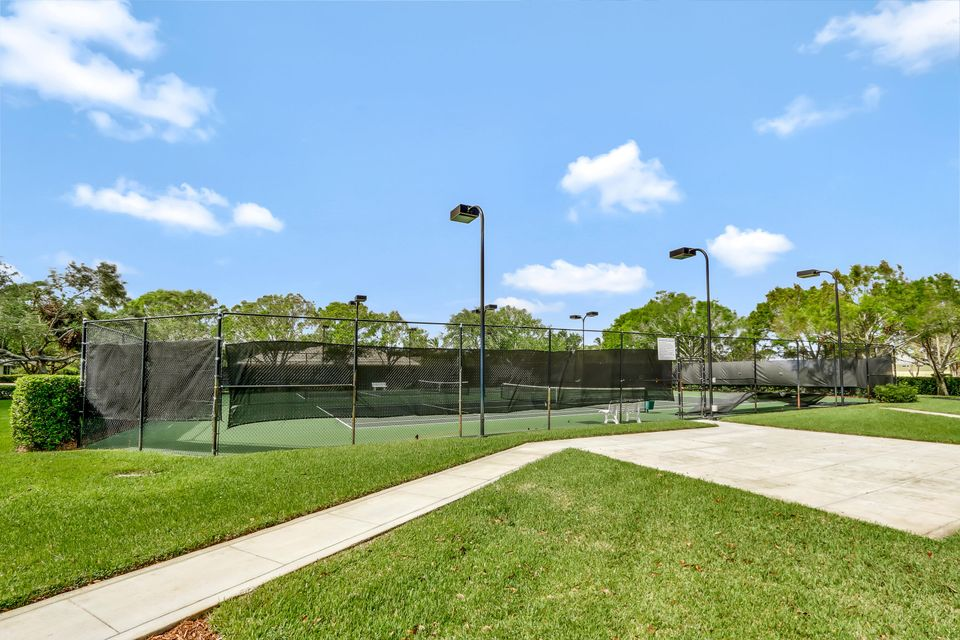 18310 Se Ridgeview Court