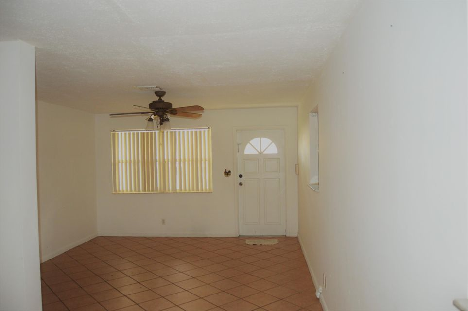Additional photo for property listing at 1025 Bradley Court 1025 Bradley Court West Palm Beach, Florida 33405 United States