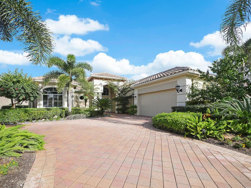 Single Family Home for Sale at 110 Vintage Isle Lane 110 Vintage Isle Lane Palm Beach Gardens, Florida 33418 United States