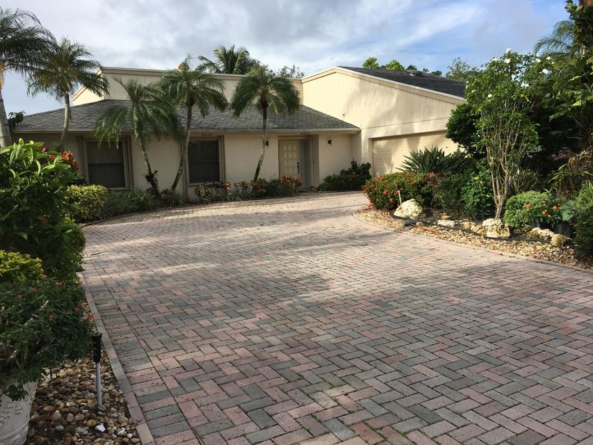 6510 Eastpointe Pines Street , Palm Beach Gardens FL 33418 is listed for sale as MLS Listing RX-10376235 3 photos