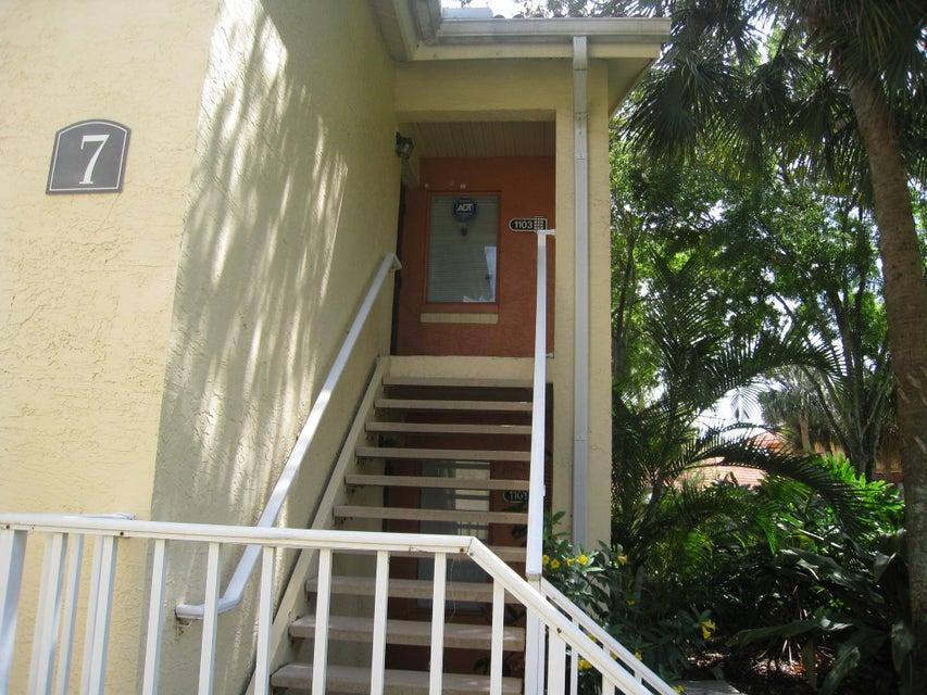 1103 The Pointe Drive  West Palm Beach, FL 33409