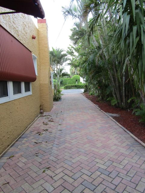 Additional photo for property listing at 321 Malverne Road 321 Malverne Road West Palm Beach, Florida 33405 United States