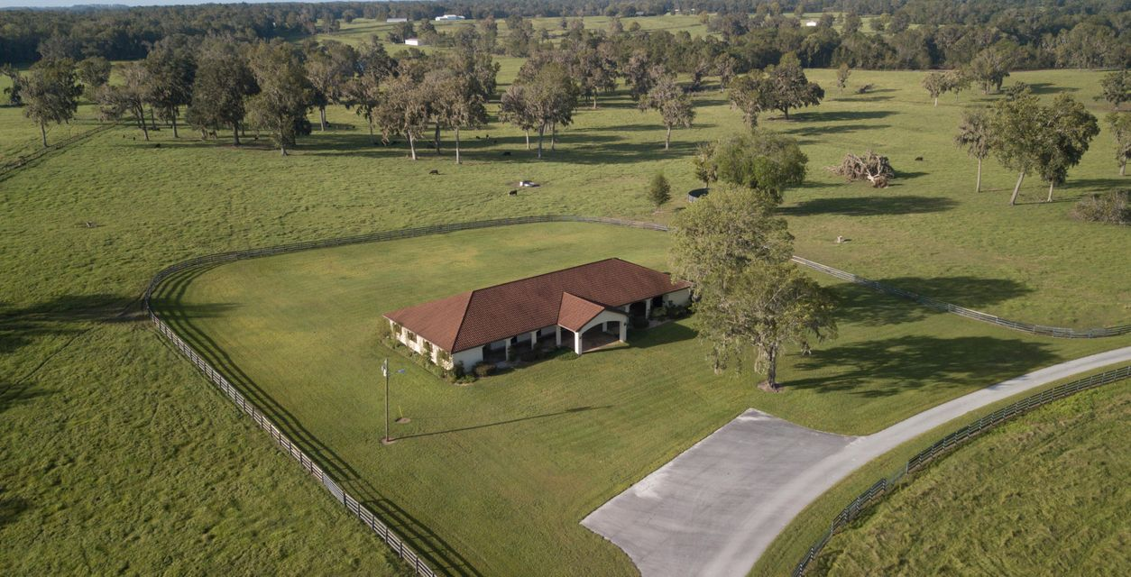Single Family Home for Sale at 6860 NW Highway 329 6860 NW Highway 329 Ocala, Florida 34470 United States