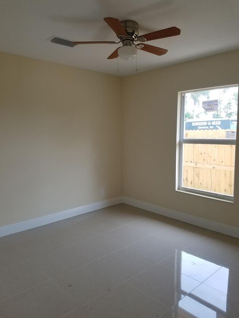 Additional photo for property listing at 4846 Bowman Street 4846 Bowman Street Greenacres, Florida 33463 Vereinigte Staaten