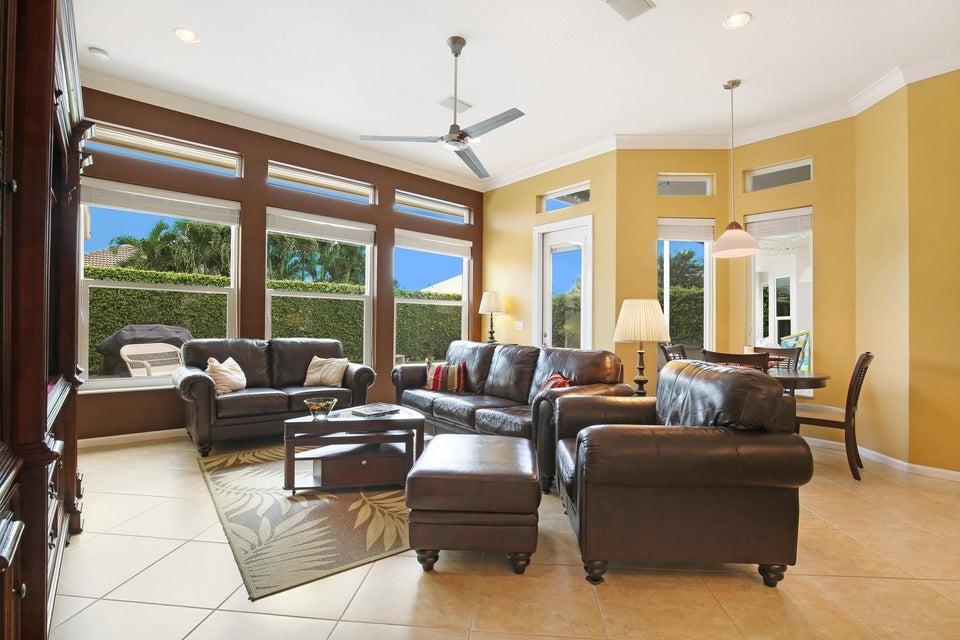 119 Pepper Tree Cres Royal Palm Beach, FL 33411 photo 10