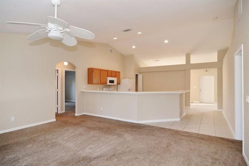 Additional photo for property listing at 479 SW Lakehurst Drive 479 SW Lakehurst Drive Port St. Lucie, Florida 34983 United States