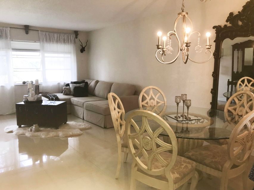 Additional photo for property listing at 400 NE 20th Street 400 NE 20th Street Boca Raton, Florida 33431 Vereinigte Staaten