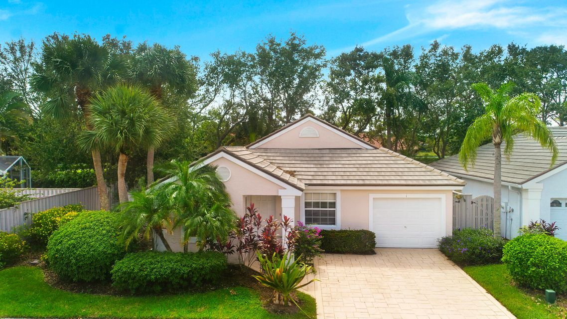 1 Admirals Court , Palm Beach Gardens FL 33418 is listed for sale as MLS Listing RX-10376460 21 photos