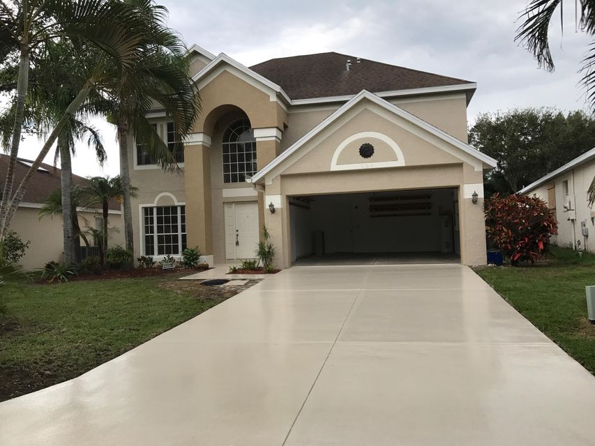 Single Family Home for Sale at 804 NW Waterlily Place 804 NW Waterlily Place Jensen Beach, Florida 34957 United States