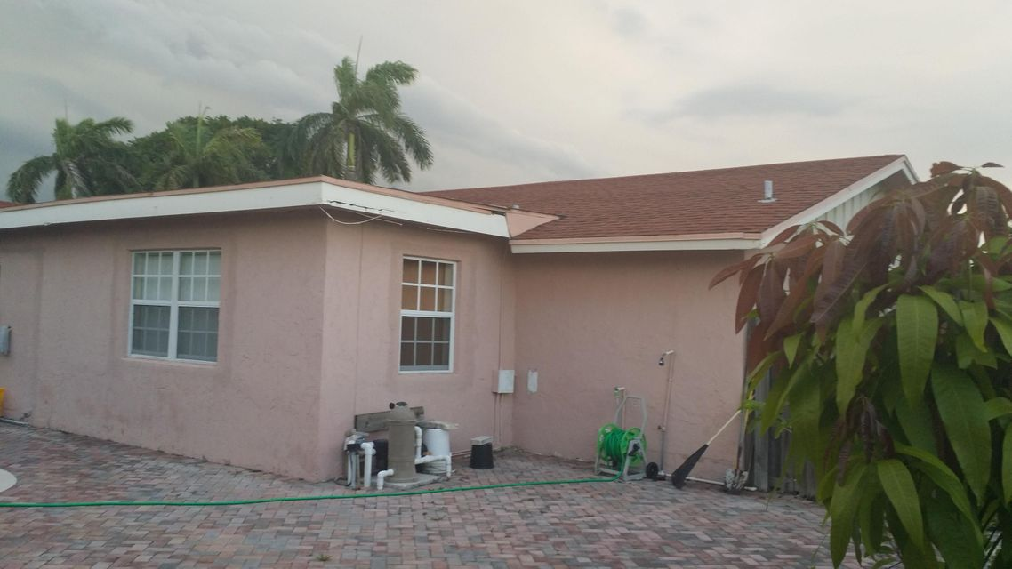 Additional photo for property listing at 510 SE 34th Avenue 510 SE 34th Avenue Boynton Beach, Florida 33435 United States