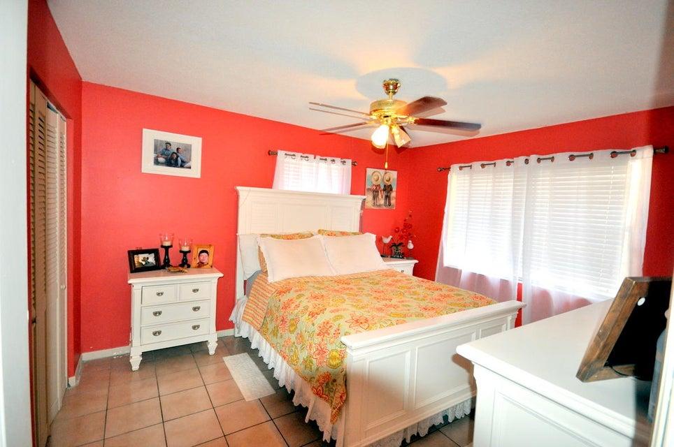 643 Alpine Avenue Lake Worth, FL 33461 photo 10