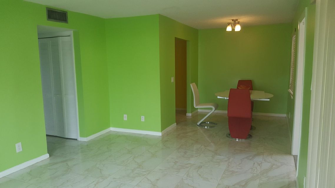 Additional photo for property listing at 422 S B Street 422 S B Street Lake Worth, Florida 33460 United States