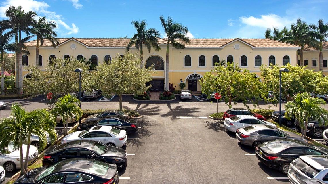Oficinas por un Venta en 641 University Boulevard 641 University Boulevard Jupiter, Florida 33458 Estados Unidos