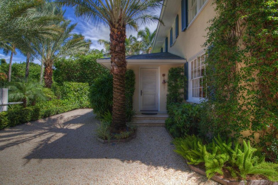 Additional photo for property listing at 134 Chilean Avenue 134 Chilean Avenue Palm Beach, Florida 33480 Estados Unidos