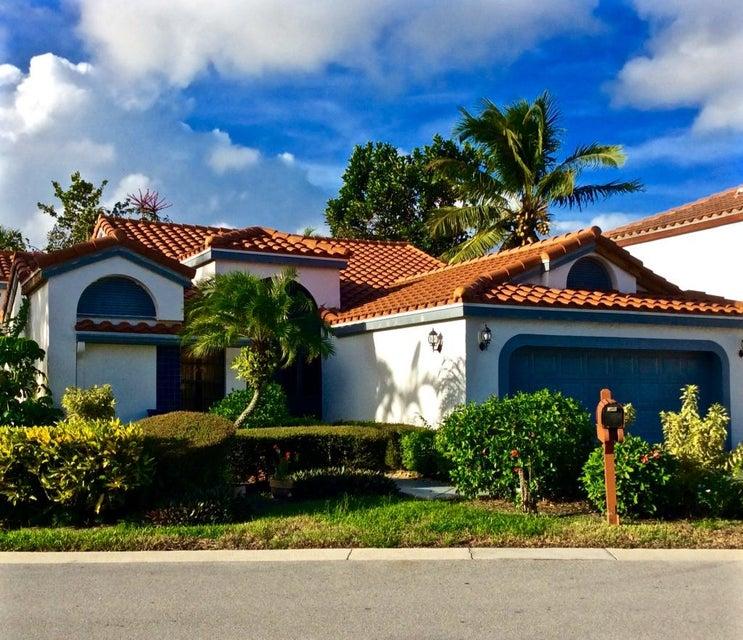 Casa para uma família para Venda às 169 Island Way 169 Island Way Greenacres, Florida 33413 Estados Unidos