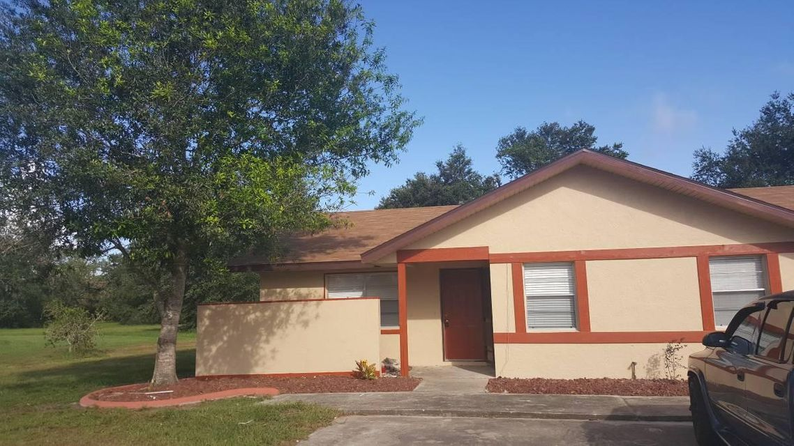 Rentals for Rent at 107 Voss Court 107 Voss Court Sebring, Florida 33876 United States
