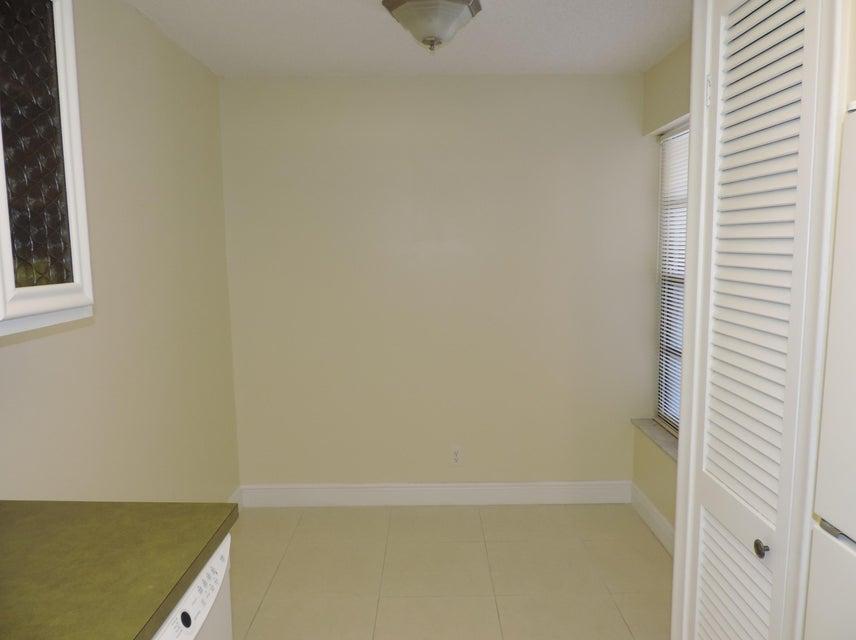 Additional photo for property listing at 3 Royal Palm Way 3 Royal Palm Way Boca Raton, Florida 33432 United States