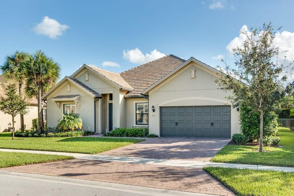 Single Family Home for Sale at 4591 Siena Circle 4591 Siena Circle Wellington, Florida 33414 United States