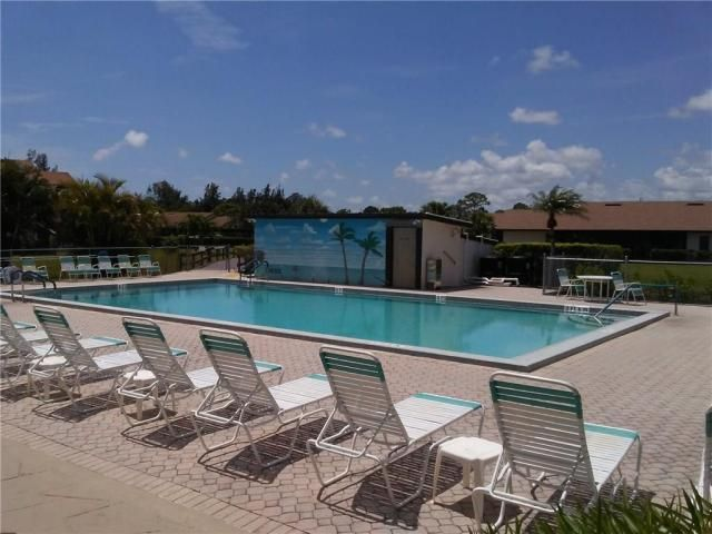Additional photo for property listing at 6531 SE Federal Highway 6531 SE Federal Highway Stuart, Florida 34997 États-Unis