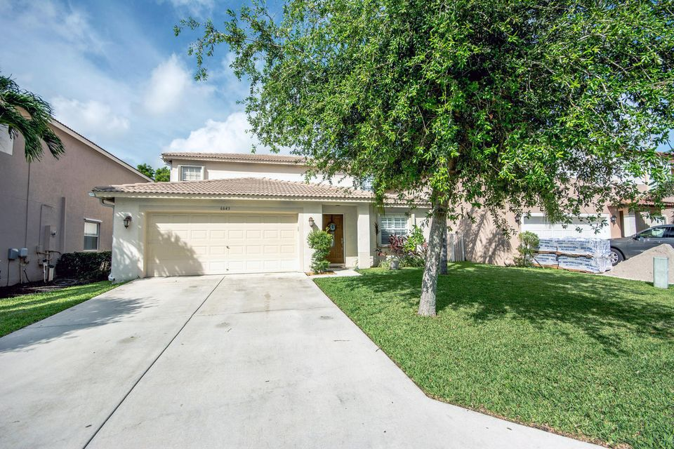 6643 Rainwood Cove Lane  Lake Worth, FL 33463