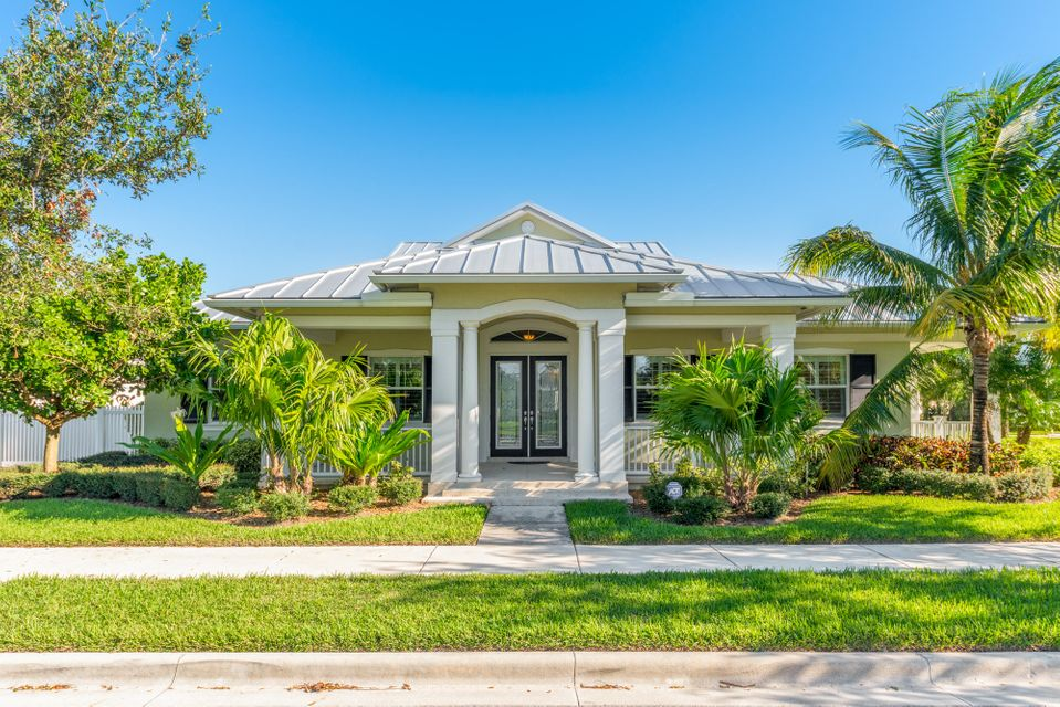 New Home for sale at 1025 Jeaga Drive in Jupiter