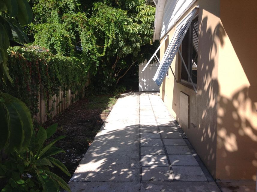 Additional photo for property listing at 520 Eastwind Drive 520 Eastwind Drive North Palm Beach, Florida 33410 United States