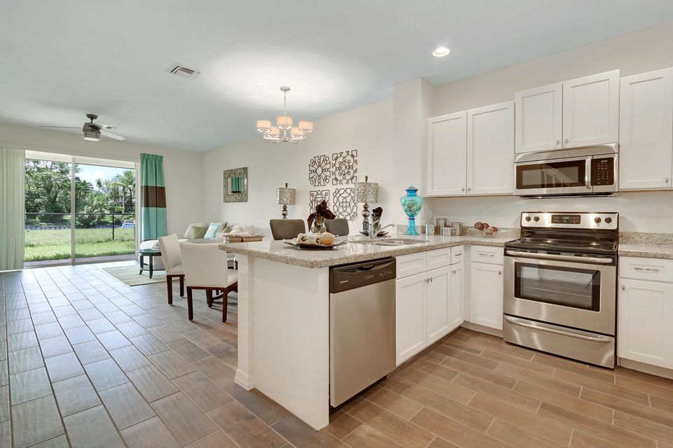 Additional photo for property listing at 1212 Paisley Court 1212 Paisley Court Lake Worth, Florida 33461 Vereinigte Staaten