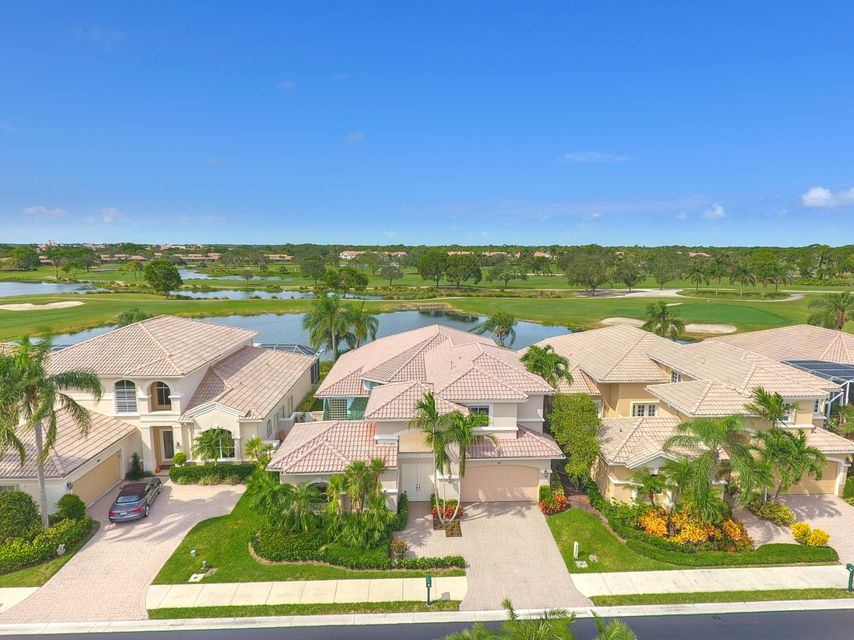 1111 Grand Cay Drive , Palm Beach Gardens FL 33418 is listed for sale as MLS Listing RX-10375428 36 photos