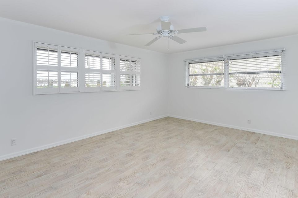 Additional photo for property listing at 2405 S Flagler Drive 2405 S Flagler Drive West Palm Beach, Florida 33401 United States