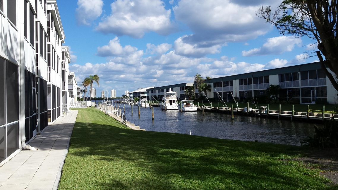 New Home for sale at 130 Doolen Court in North Palm Beach