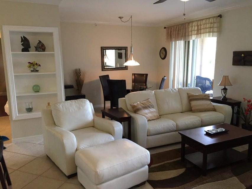 6394 Emerald Dunes Drive 3-306 West Palm Beach, FL 33411 photo 9