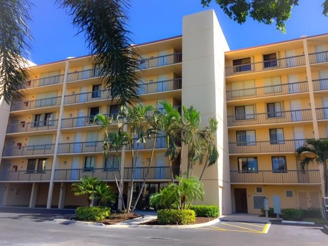 Co-op / Condominio por un Alquiler en 1605 S Us Highway 1, 1605 S Us Highway 1, Jupiter, Florida 33477 Estados Unidos