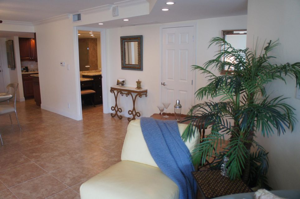 Additional photo for property listing at 3000 N Ocean Drive 3000 N Ocean Drive Riviera Beach, Florida 33404 United States