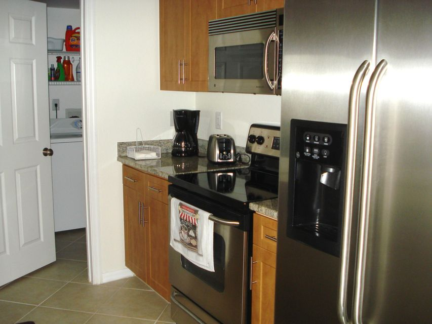 6394 Emerald Dunes Drive 3-306 West Palm Beach, FL 33411 photo 12