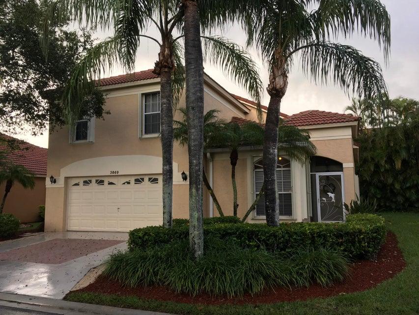 Casa Unifamiliar por un Venta en 3069 Casa Rio Court 3069 Casa Rio Court Riviera Beach, Florida 33418 Estados Unidos