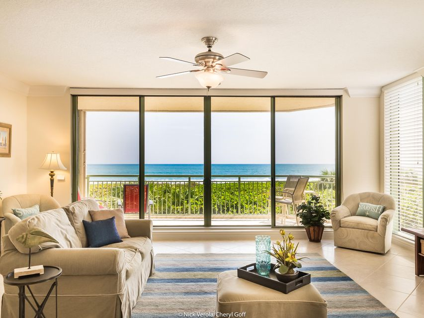 Additional photo for property listing at 4310 N A1a  # 201S 4310 N A1a  # 201S Hutchinson Island, Florida 34949 Estados Unidos