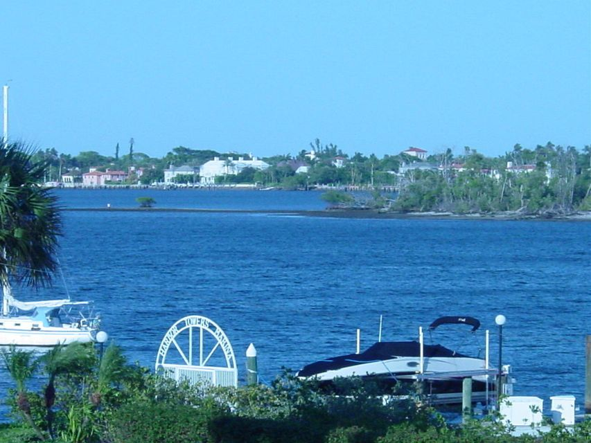 Additional photo for property listing at 3915 S Flagler Drive 3915 S Flagler Drive West Palm Beach, Florida 33405 Estados Unidos